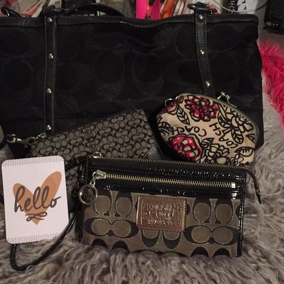 29c74cf6c52a Coach Handbags - 💕🛍SALE! BUNDLE! Very preloved Coach bundle